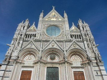 The impressive front of Siena Cathedral