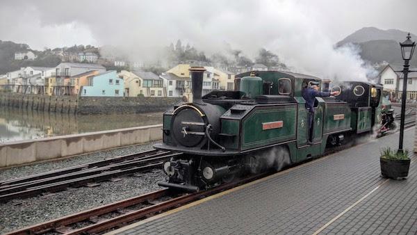 Ffestiniog Railway's Earl of Meirioneth at Porthmadog train station