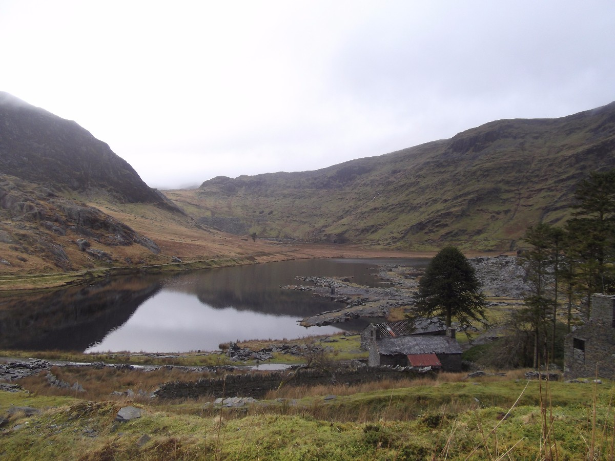 Cwm Orthin above Blaenau Ffestiniog - view of the lake, the mountains and slate slag heaps