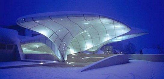 9 самых необычных железнодорожных станций в мире