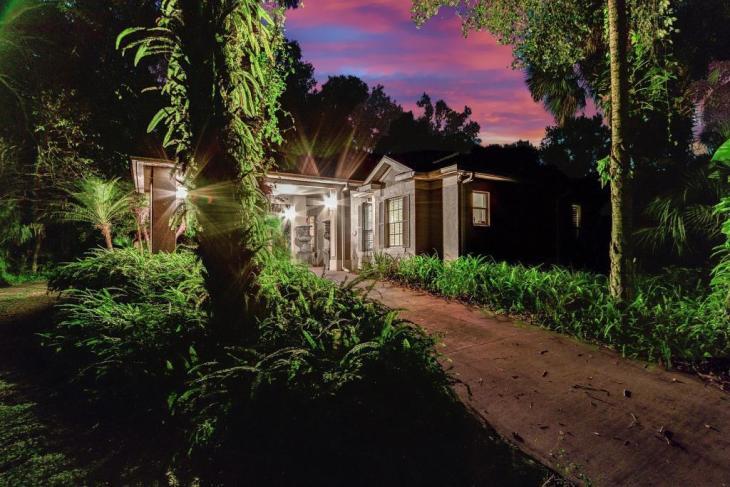central florida 10 acre lakefront estate deltona fl - Central Florida 10 acre Lakefront Estate - Deltona, FL