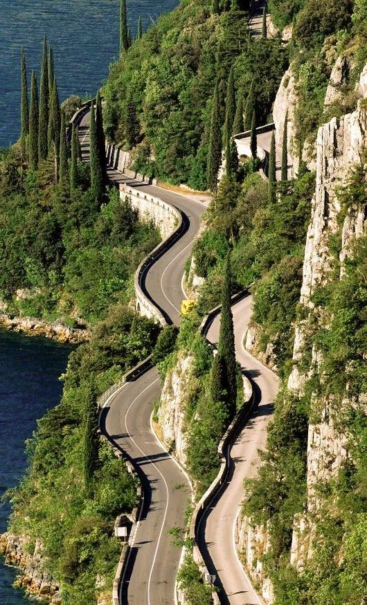 Italie La route des grands lacs