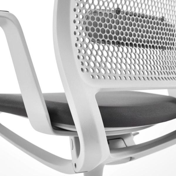Le siège Se:Motion est disponible en gris et noir.
