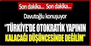 Ahmet Davutoğlu açıklamalarda bulunuyor