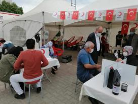 Tekirdağ Marmaraereğlisi İlçe Müftülüğü din görevlileri, Türk Kızılayı'na kan bağışında bulundu.
