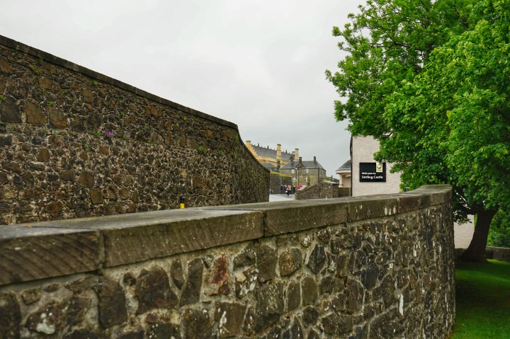 Have you been to Stirling Castle? While in Edinburgh we took the train up to Stirling for a day trip. Come along as I take you on a tour of the castle.