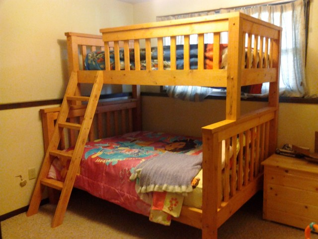 Woodworking diy twin over queen bunk bed PDF Free Download