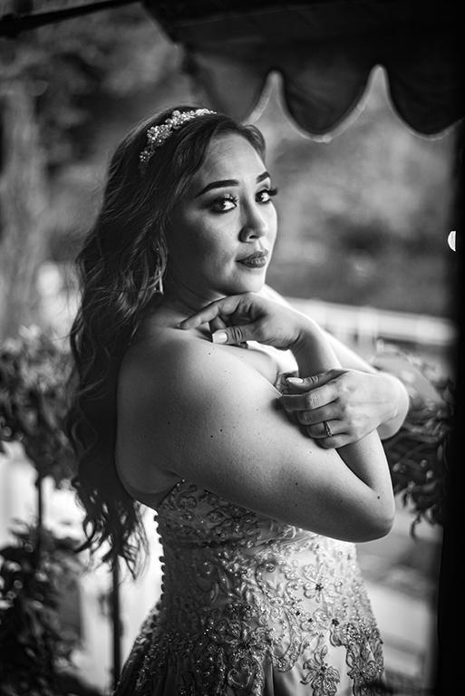 bridal portrait monochrome
