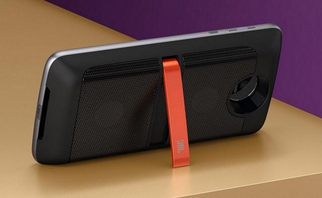 moto-mods-jbl-soundboost-speaker