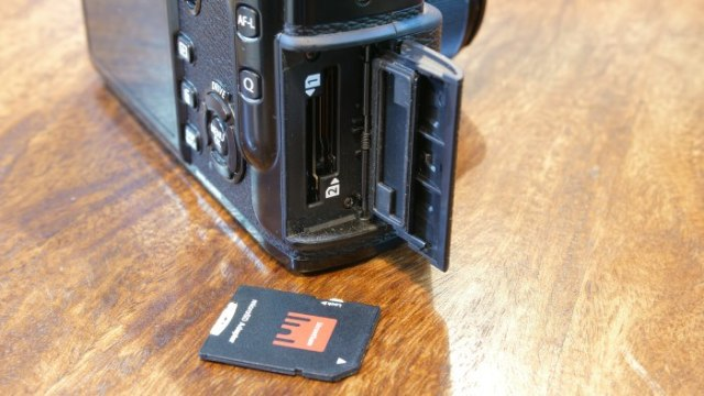 Fujifilm X-Pro2 Dual SD Card Slots