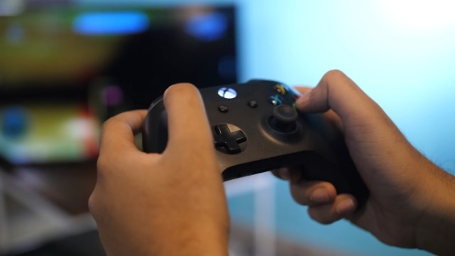 Xbox One Controller Gameplay