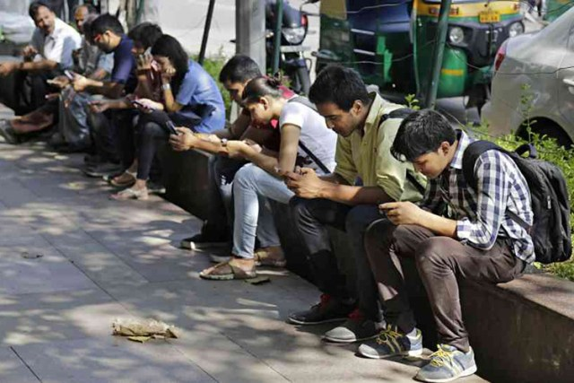India's Internet User Growth Slowed Down by One-Third in 2017: Kantar