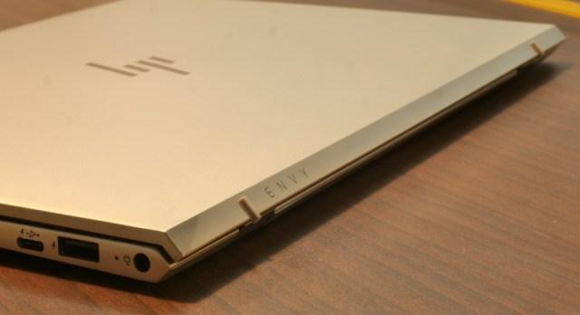 HP Envy 13-ad125TU Hinge on the back