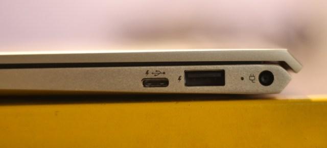HP Envy 13-ad125TU Right Side