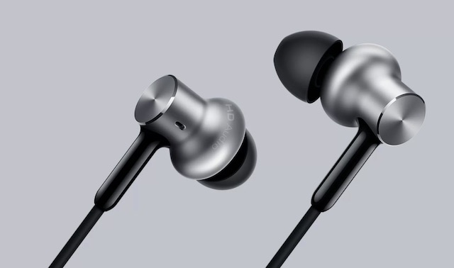 4. Mi In-Ear Headphones Pro HD