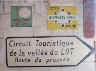 Road sign for the route du pruneau