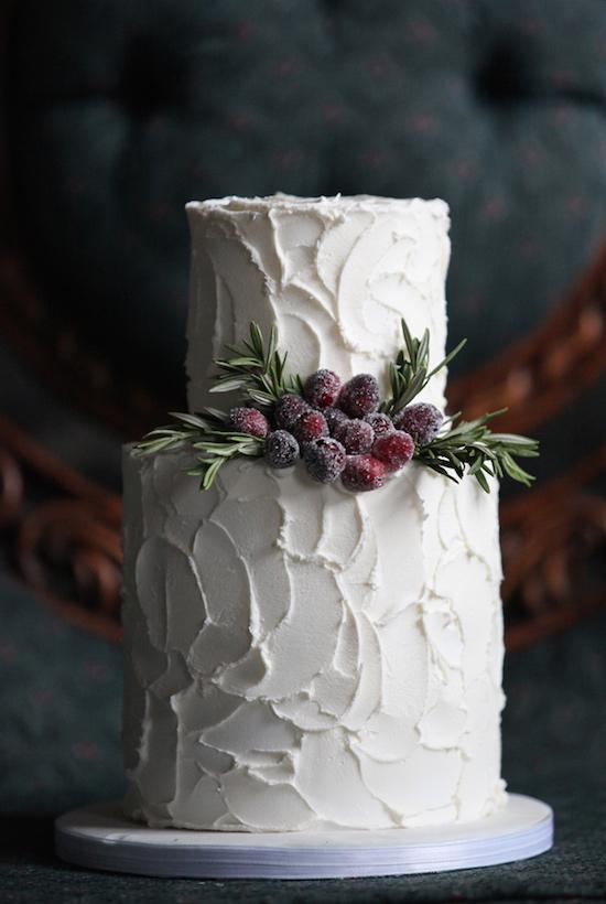 winter-barn-wedding-inspiration-cake1