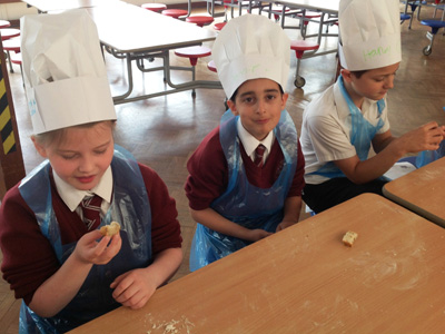 Year 3 Bread Making With Caterlink - April 2016