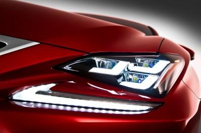 2015-Lexus-RC-headlight-view