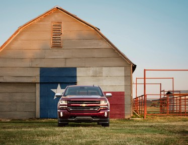 2016-chevrolet-silverado-1500-ltz-z71-with-texas-graphic-002-1