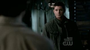 Dean câm nín...