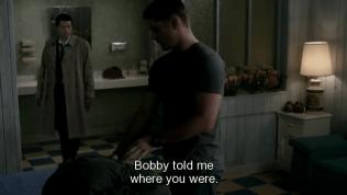 """""""Bobby nói cho tôi biết cậu ở đâu."""" Cas giải thích."""