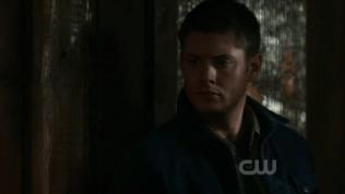 """Dean sốc nặng khi nghe Cas nói câu đó =)))) mặt kiểu như, 'Chuyện gì đã xảy ra với thiên thần ngây thơ trong trắng của tui???"""" =)))"""