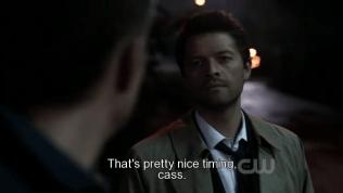 """""""Canh thời gian hơi chuẩn đó, Cas."""" Dean vui mừng nói."""