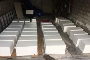 BeeHappy Bienenbox weiß angemalt