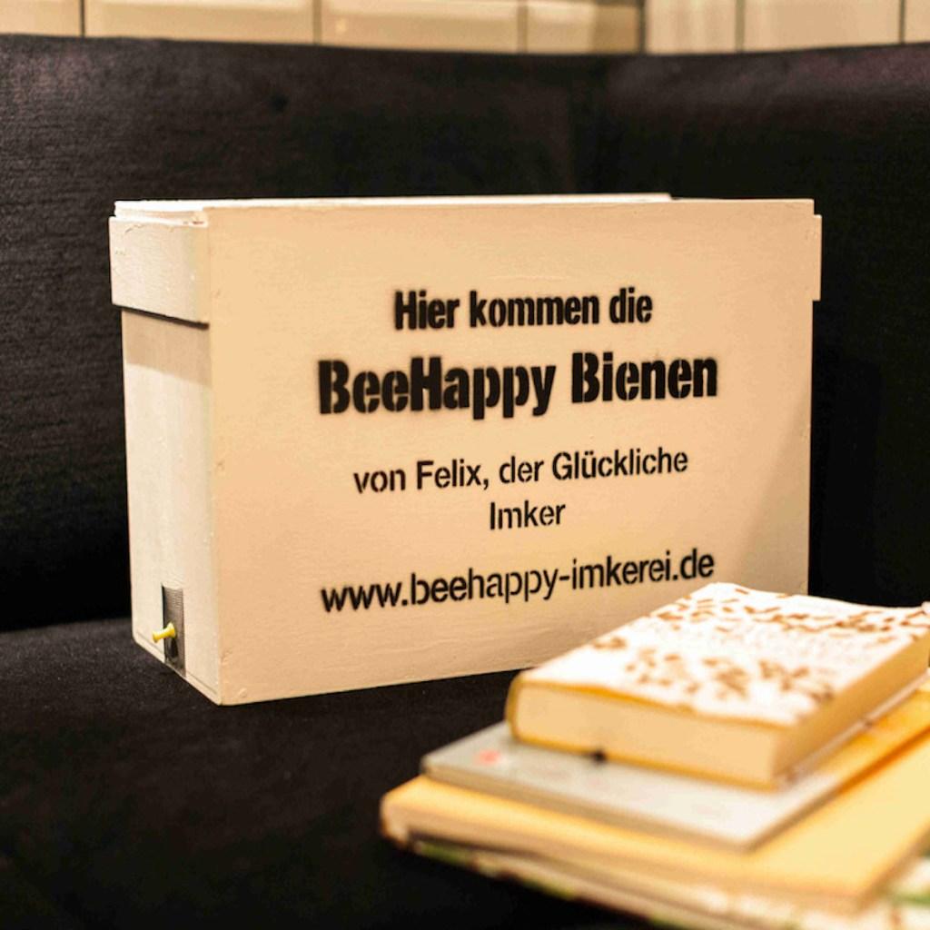 Die BeeHappy Bienenbox Produktbild
