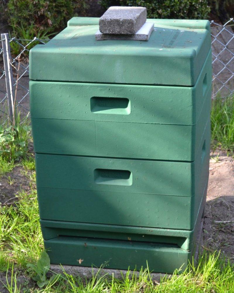 Zweizargiges Bienenvolk Segeberger Kunststoffbeute mit Varrioboden