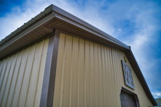 Pole Barn Garage - Beehive Buildings