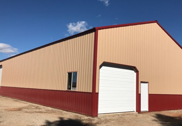 Pole Barn Workshop & Garage - Beehive Buildings - 40'x80'x16'