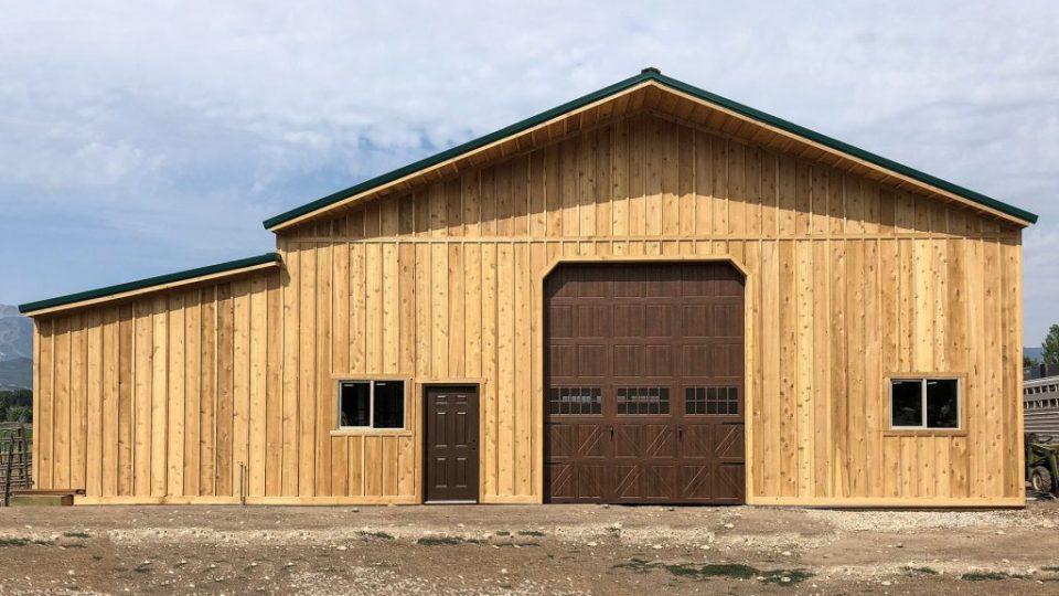 Pole Barn Horse Barn - Beehive Buildings - 30'x48'x16'