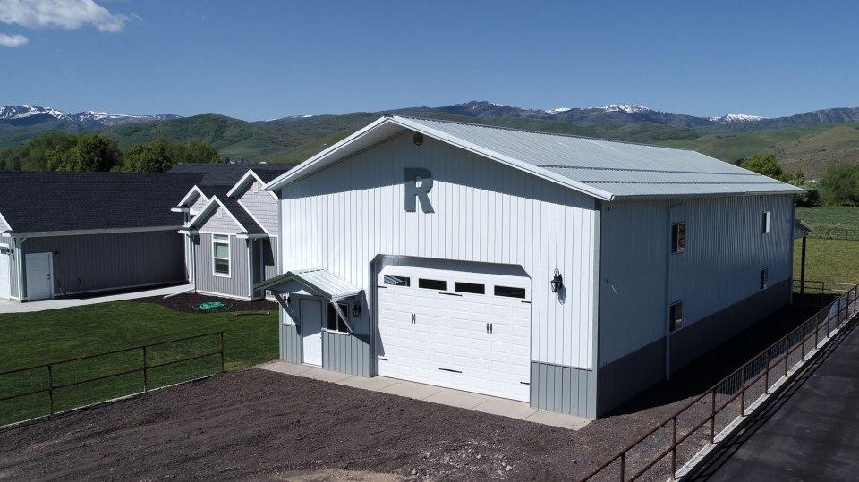 pole-barn-homes-beehive-buildings