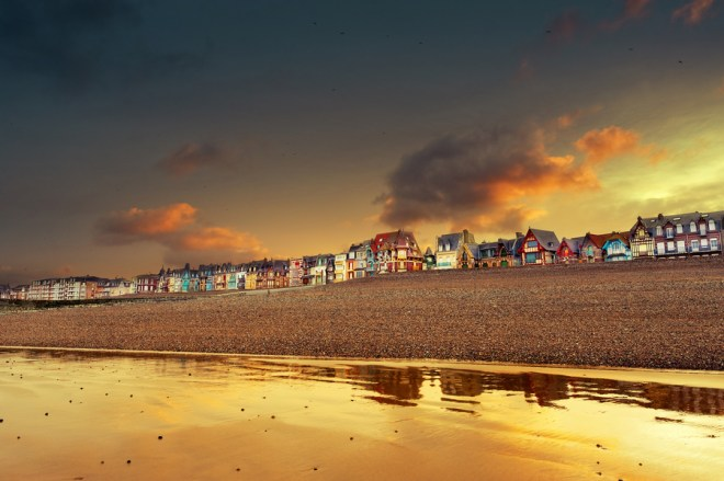 Golden sunrise ©David Keochkerian