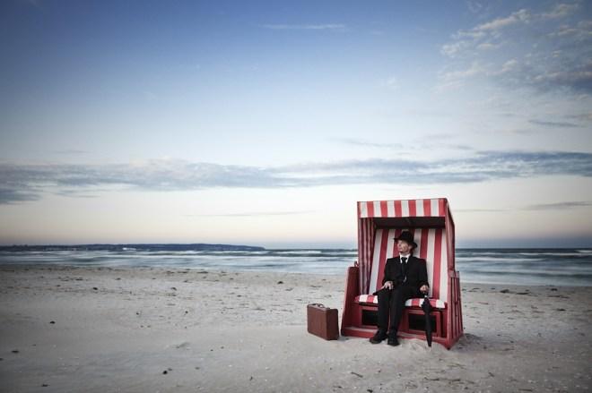 A Rest At The Beach - Ralph Graef