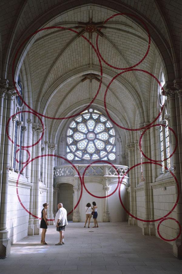 """""""Encerclement à dix,"""" Centre d'Art Contemporain, Thouars, France – 1999"""