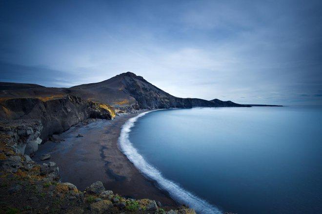 Water on the moon, Reykjanes Peninsula ©Jerome Berbigier