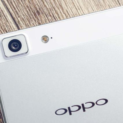 Un stress test du Oppo R5 qui troll la concurrence au passage