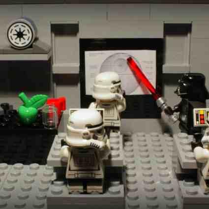 Une institutrice utilise des LEGOs pour apprendre les Maths à ses élèves