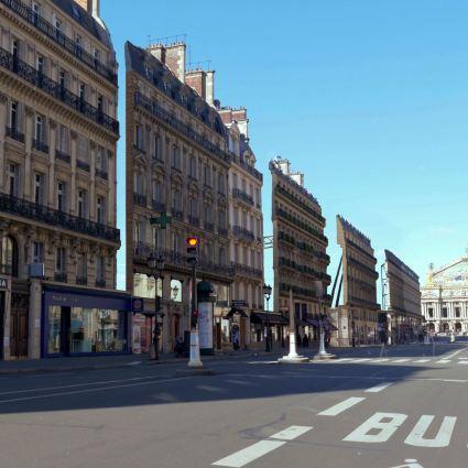 Apparences / Paris n'est qu'un vaste décor