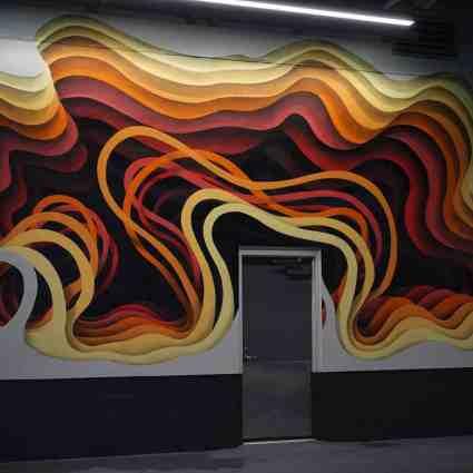 Le street artist 1010 ajoute du relief à des architectures monotones