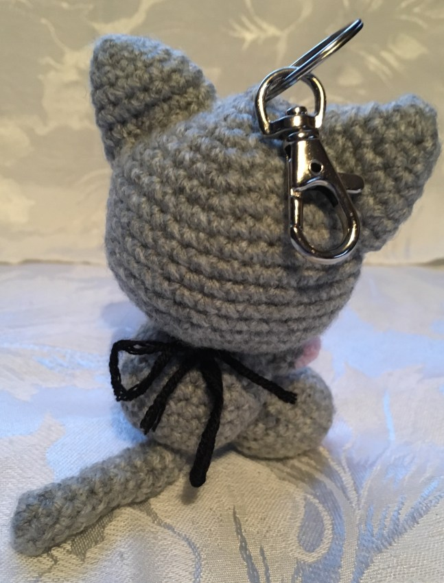 Kiki the Kitten Keyring Pattern - back