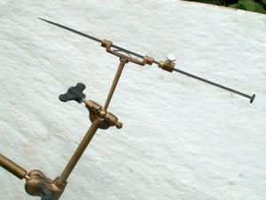 slose up van punteerapparaat, hulpmiddel voor taille indirecte in steen en hout