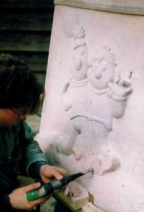Koen van Velzen carved tombstone Bert and Ernie from red granite