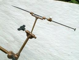 punteerapparaat met naald en stop