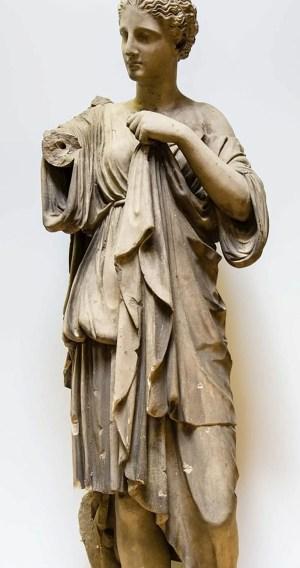 Diana von Gabii beschädigt