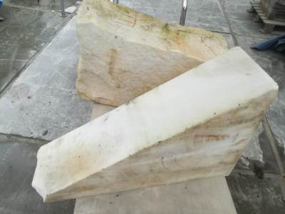 block of marble for lying bull in white marble