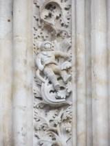 een astronaut aan de kathedraal van Salamanca